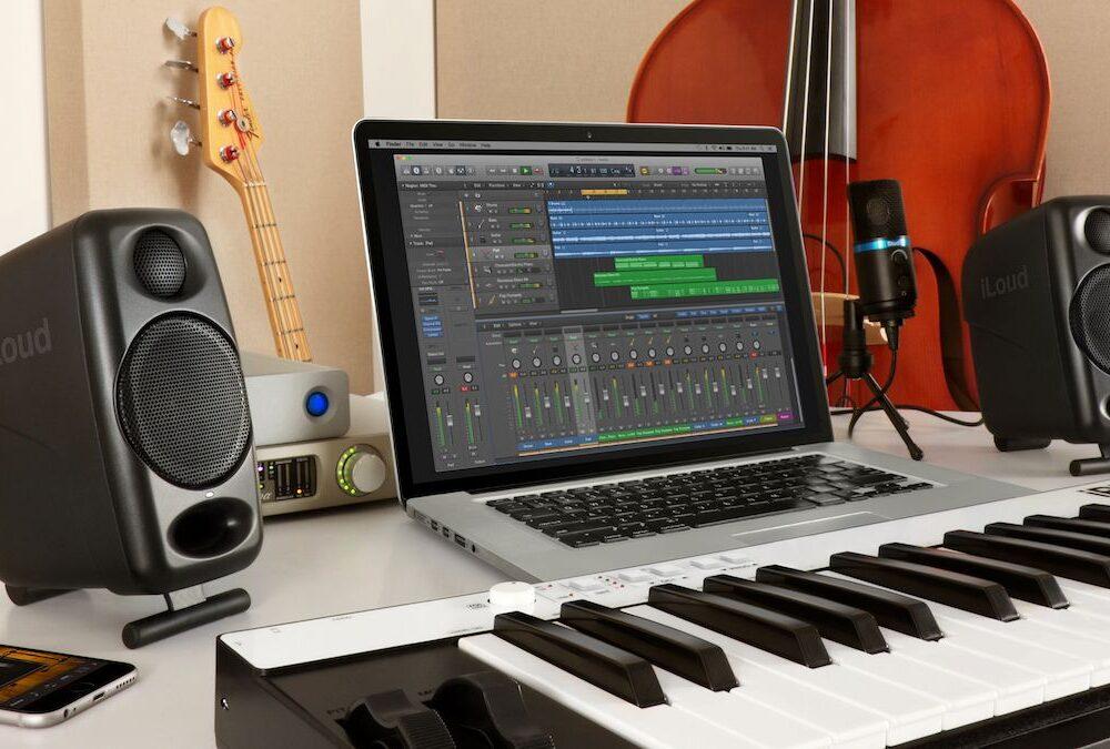 5 Best Powered Speakers For Keyboard 2021