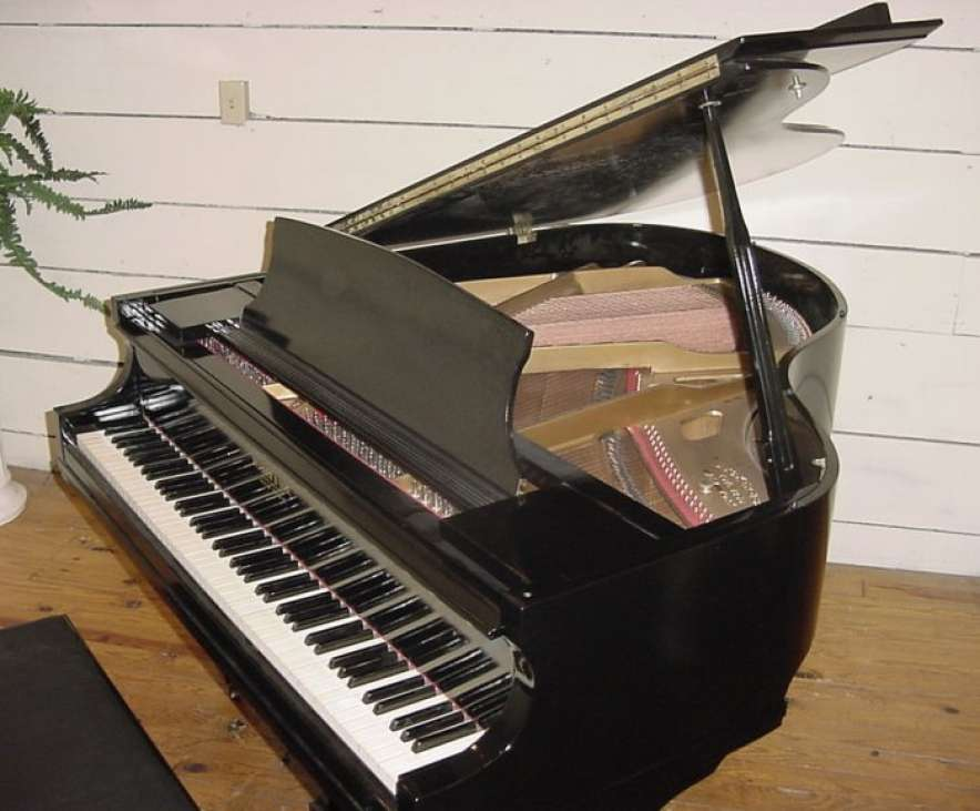 Does A Piano Need Electricity