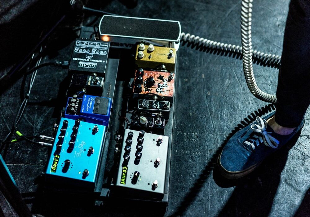 What Does A Delay Pedal Do